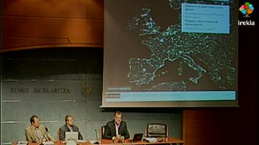 """José María Ezquiaga ha impartido el 10º Taller de Innovación Pública, 15 de junio de 2011: """"Estrategias de adaptación y mitigación del cambio climático en planificación espacial"""" [103:48]"""