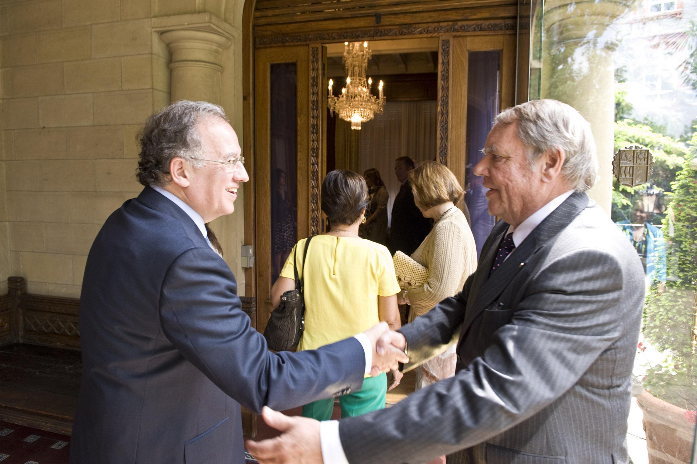 2011_06_15_leh_consular_02.jpg