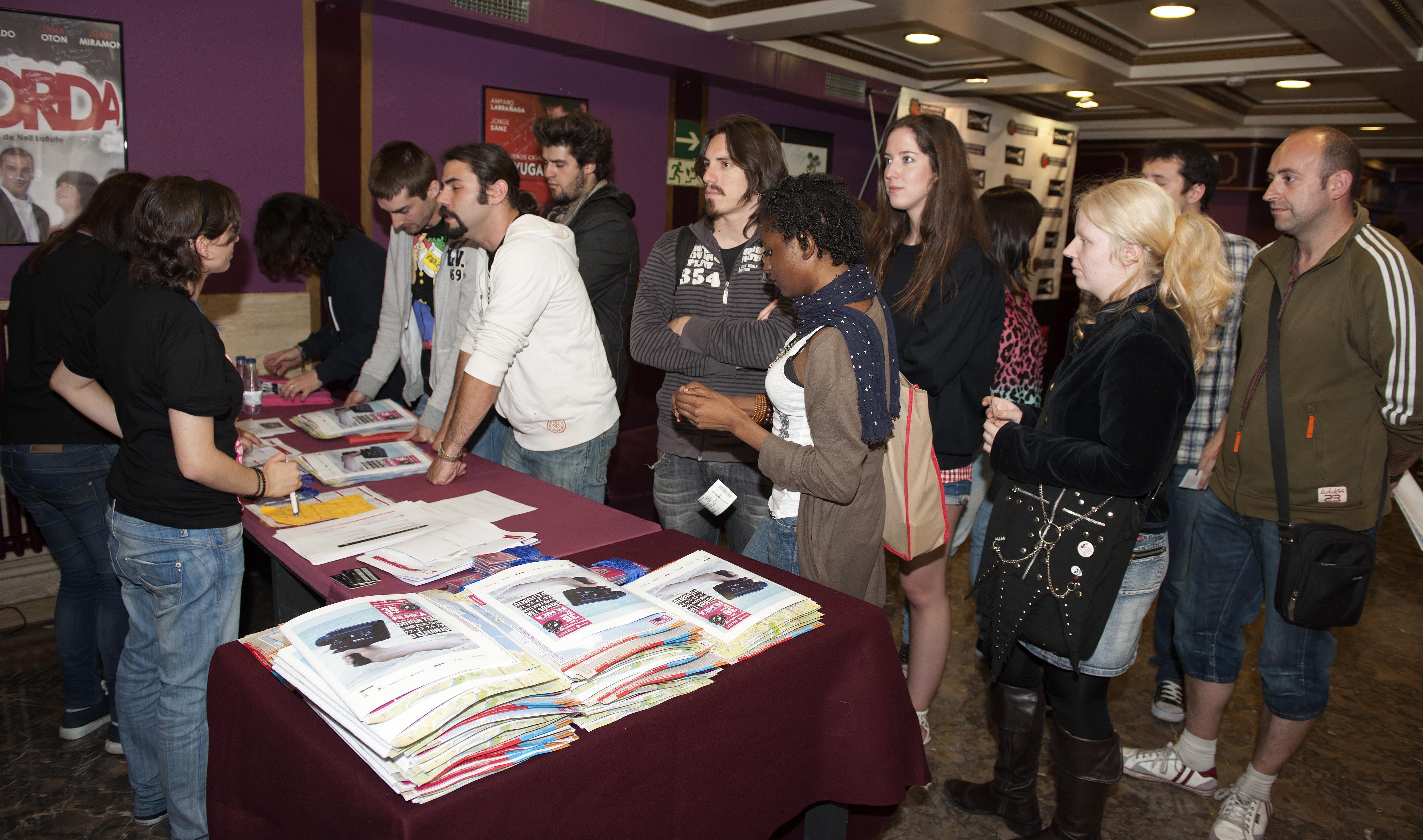 2011_06_22_filmica_participantes_credenciales2.jpg