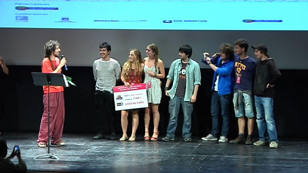 Los ojos de Laia y Uno de esos días de playa se hacen con el primer y segundo premio de Cinemavip en Donostia [1:47]