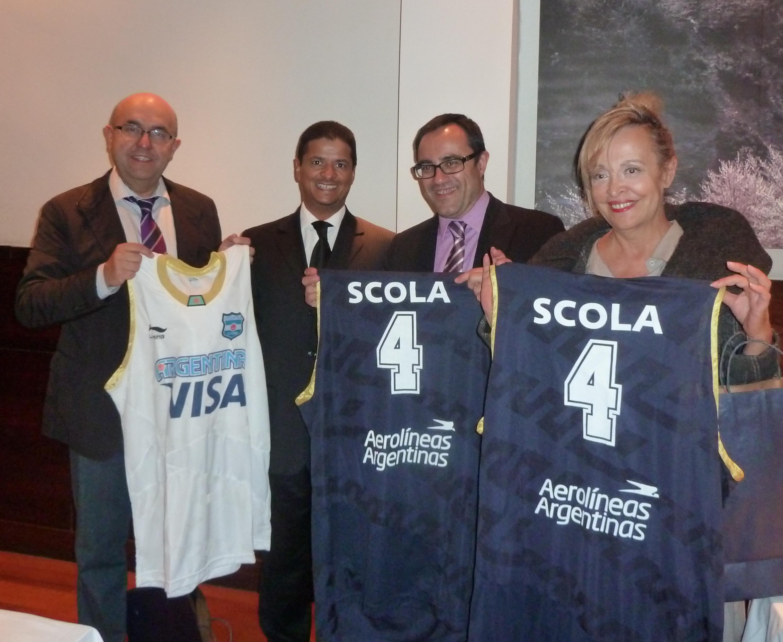 La Selección Vasca de Baloncesto llega a Argentina  [2:58]