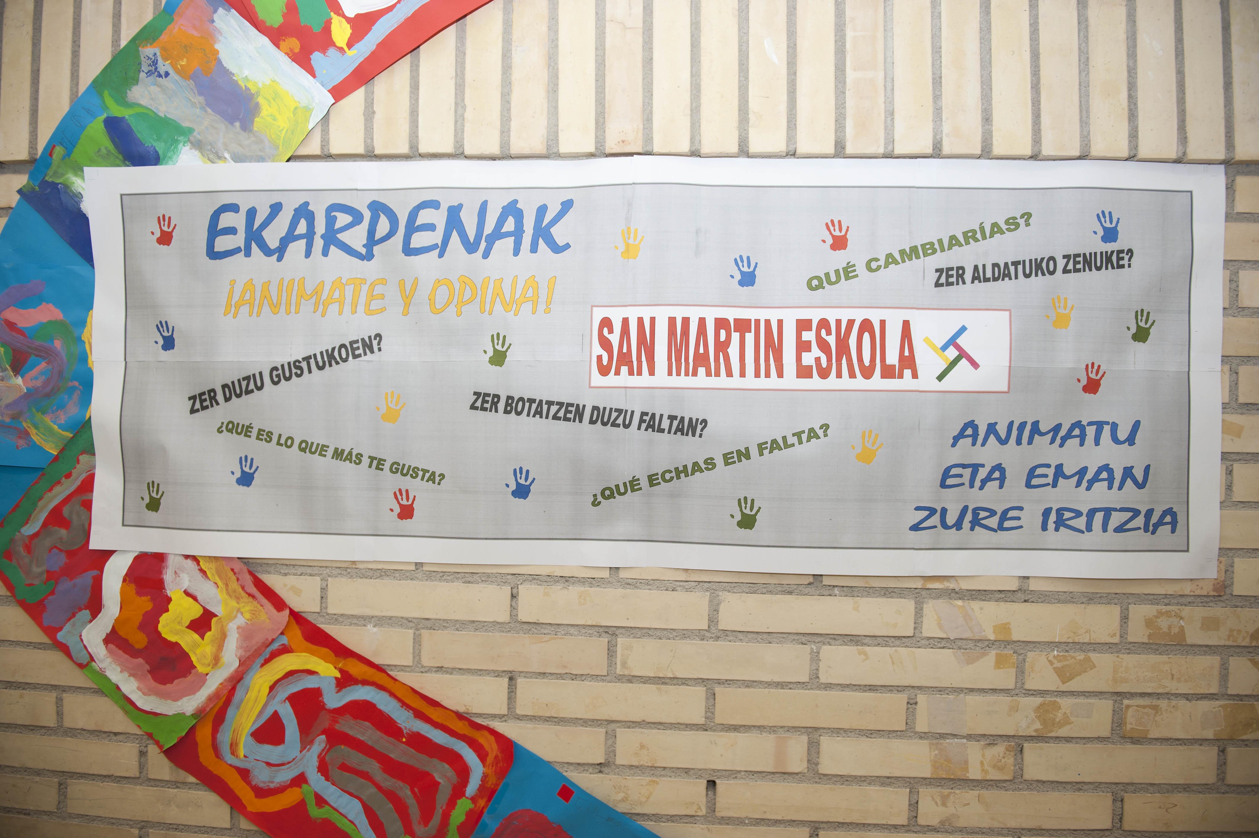 2011_09_02_educacion_nuevo_curso_san_martin_cartel.jpg