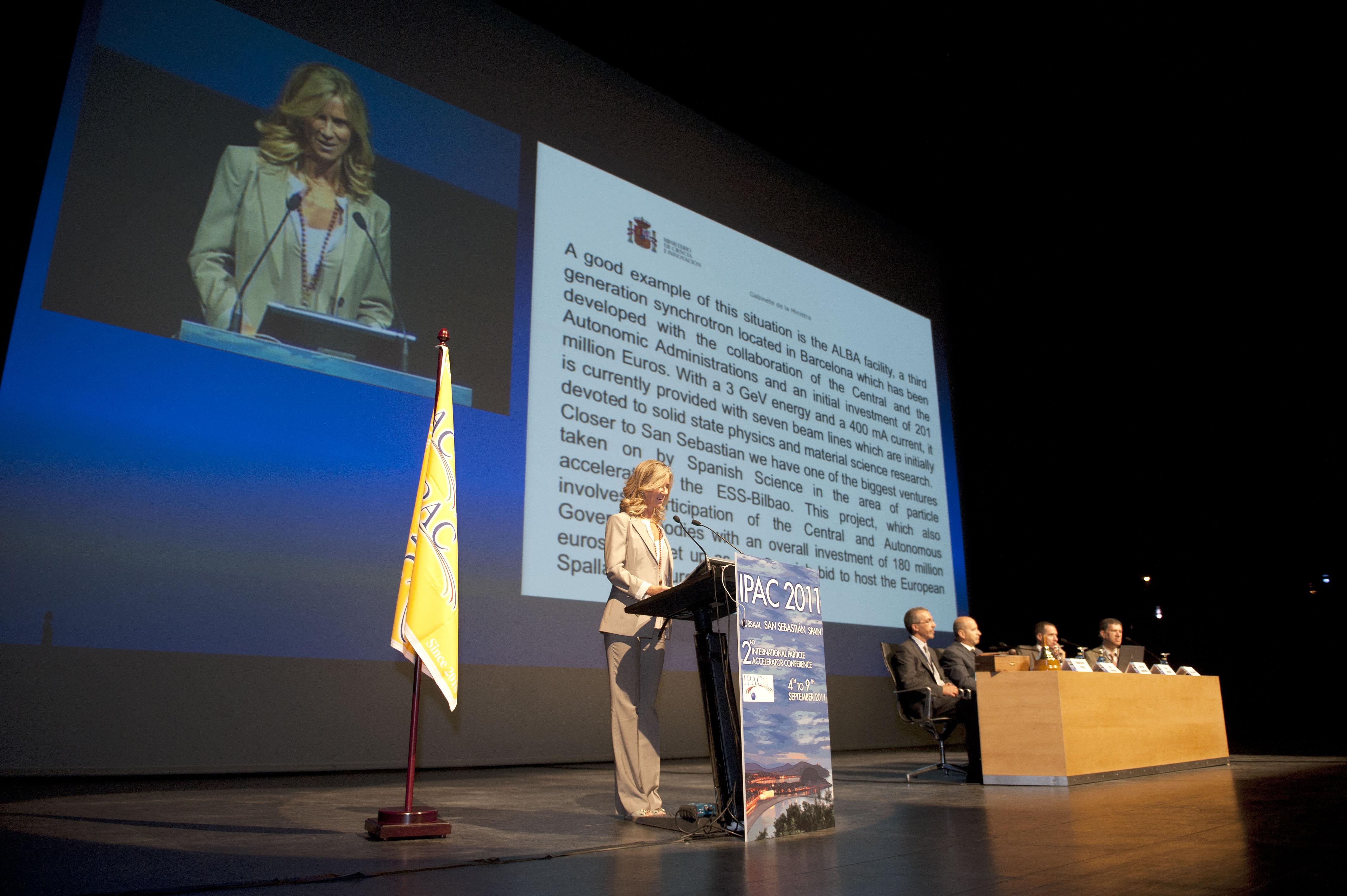 2011_09_05_industria_conferencia_acelerador_ministra_garmendia.jpg