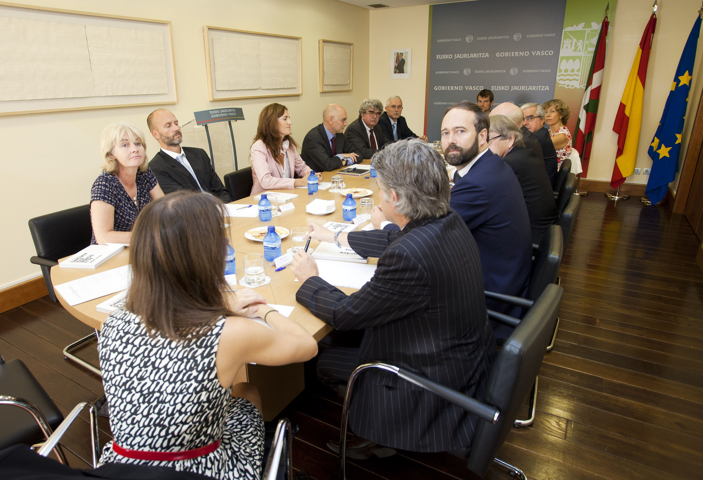 2011_09_23_ares_embajadores_en_madrid01.jpg