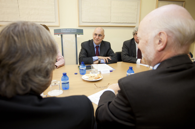 2011_09_23_ares_embajadores_en_madrid02.jpg