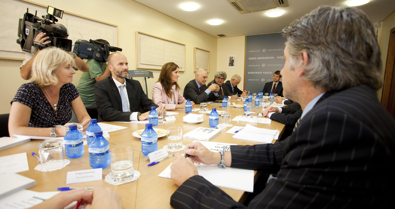 2011_09_23_ares_embajadores_en_madrid06.jpg