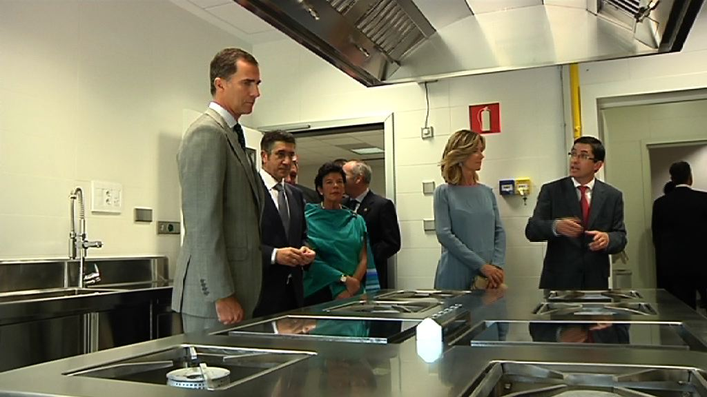 El Lehendakari y los Príncipes inauguran el Basque Culinary Center [1:04]