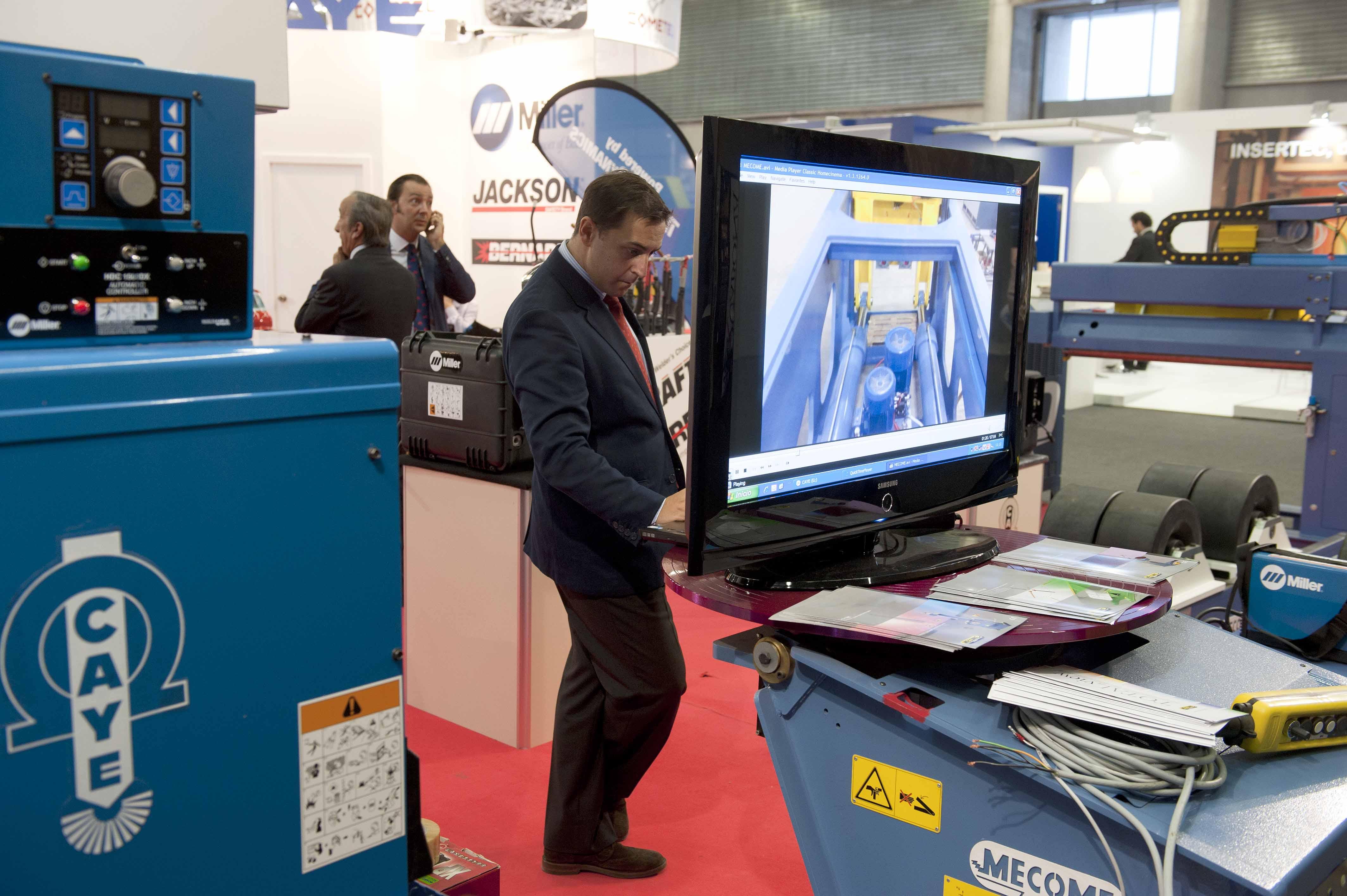 2011_09_27_industria_cumbre_industrial3.jpg