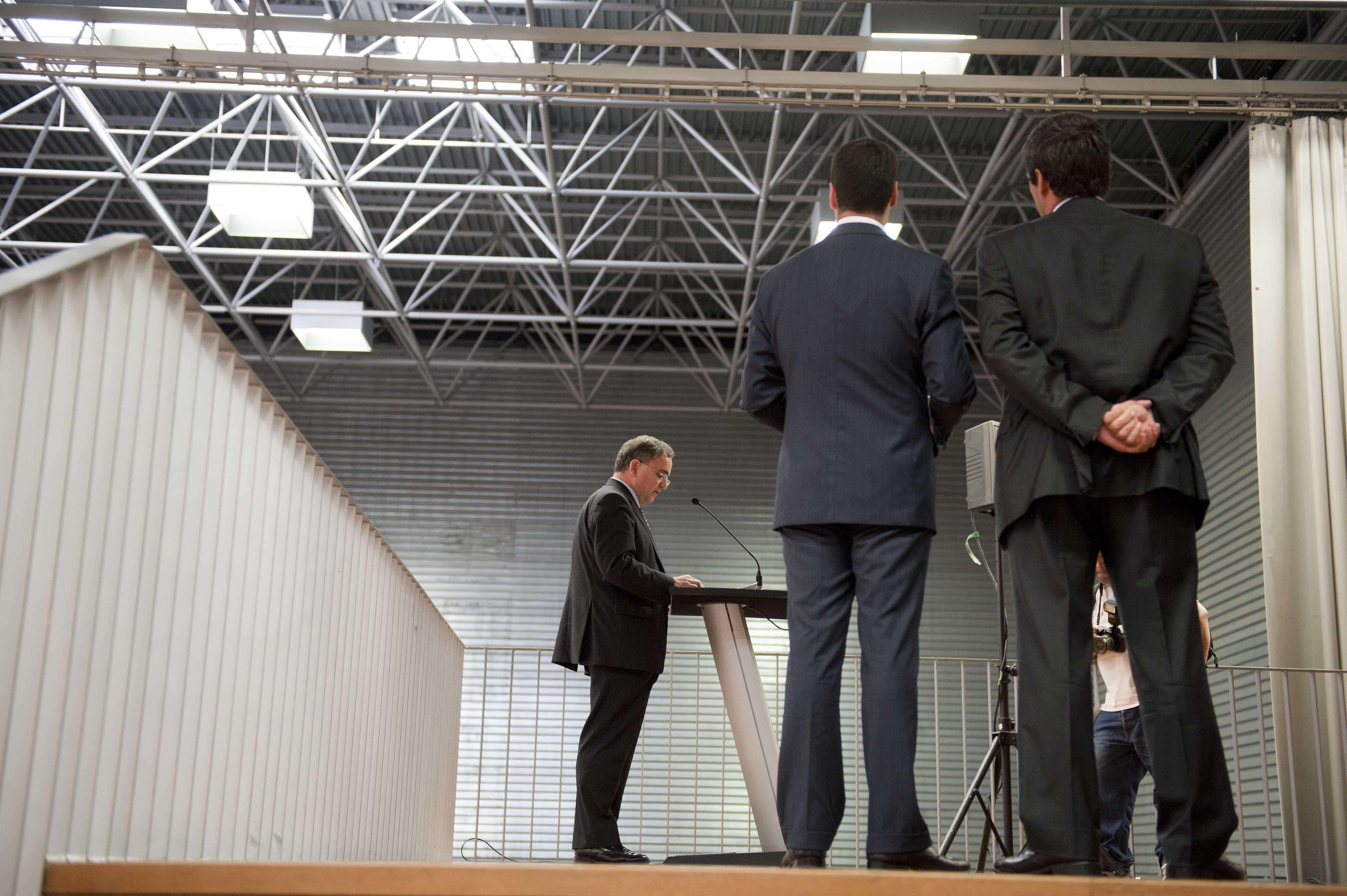 2011_09_27_industria_cumbre_industrial_atril.jpg