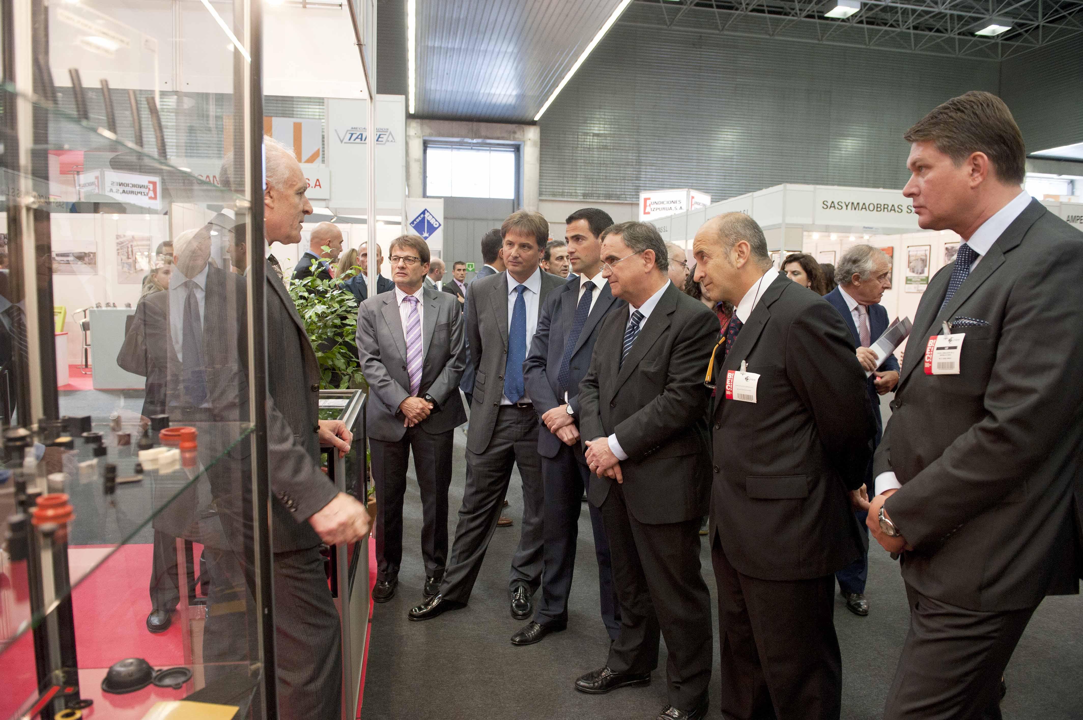 2011_09_27_industria_cumbre_industrial_visita_stand.jpg