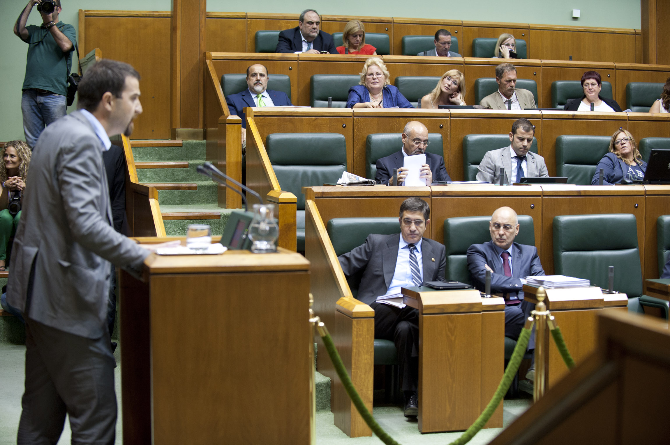 2011_09_29_lehen_parlamento_238.jpg
