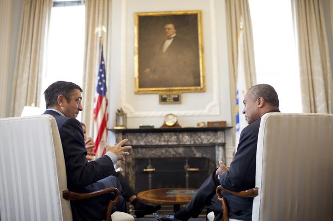 el Lehendakari se reúne con el Gobernador de Massachussets