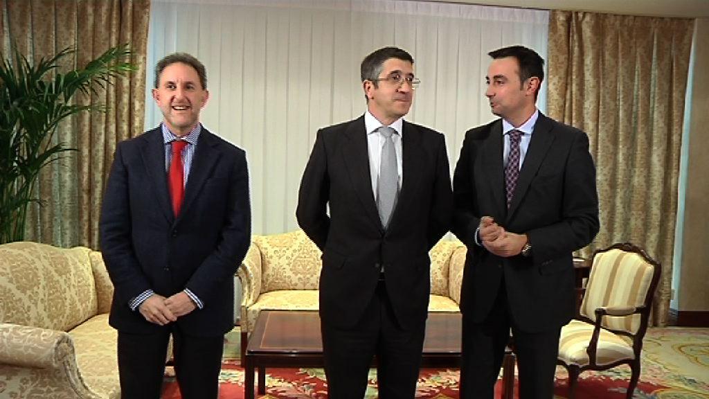 El Lehendakari se reúne con representantes del PSE [0:57]