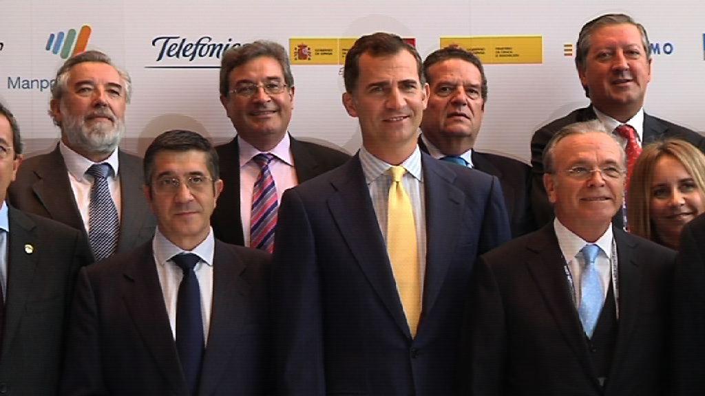 """El Lehendakari agradece la labor de los empresarios que """"aguantaron"""" la amenaza terrorista [1:14]"""