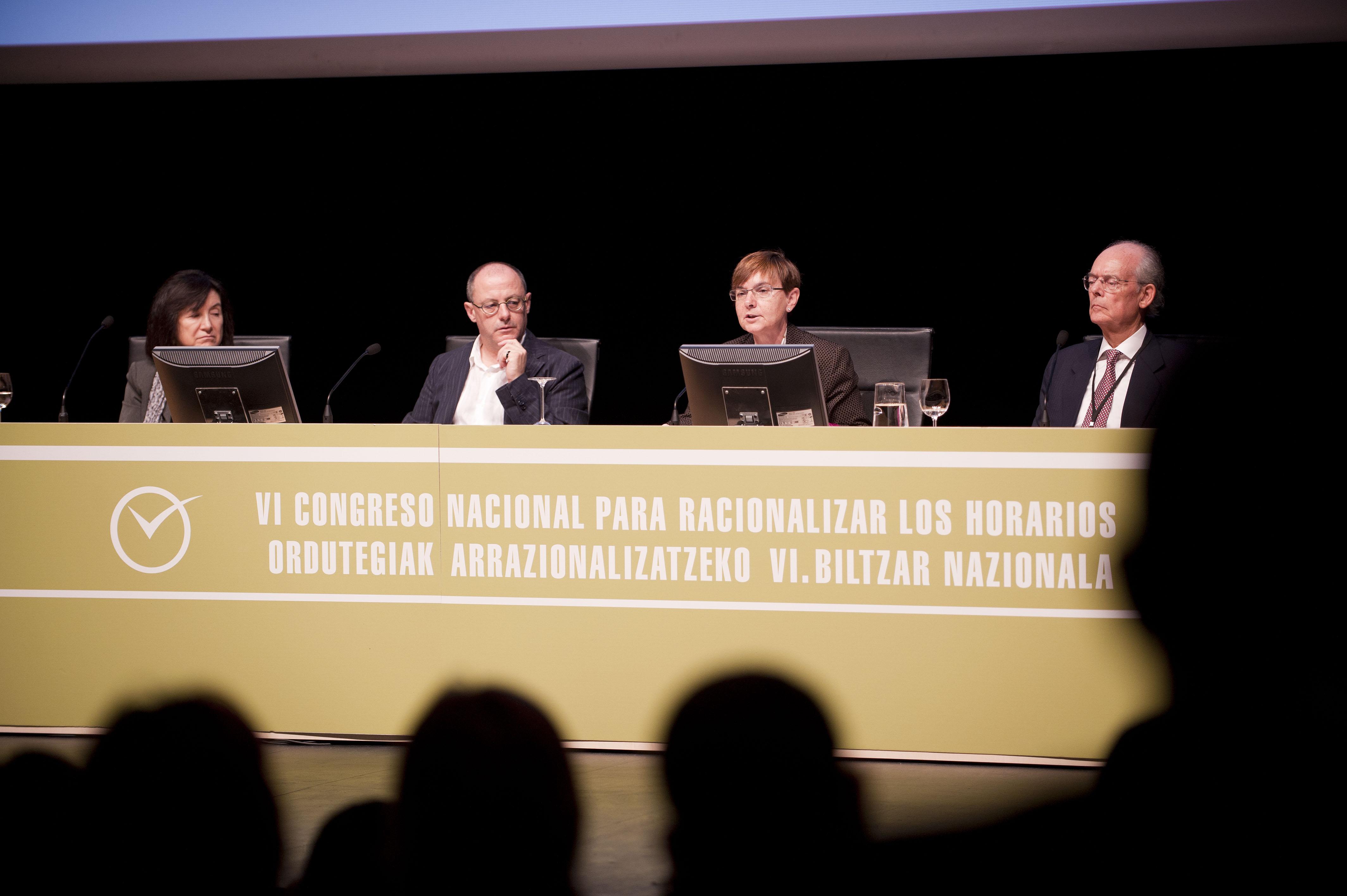 2011_11_15_zabaleta_congreso_racionalizar_horarios14.jpg