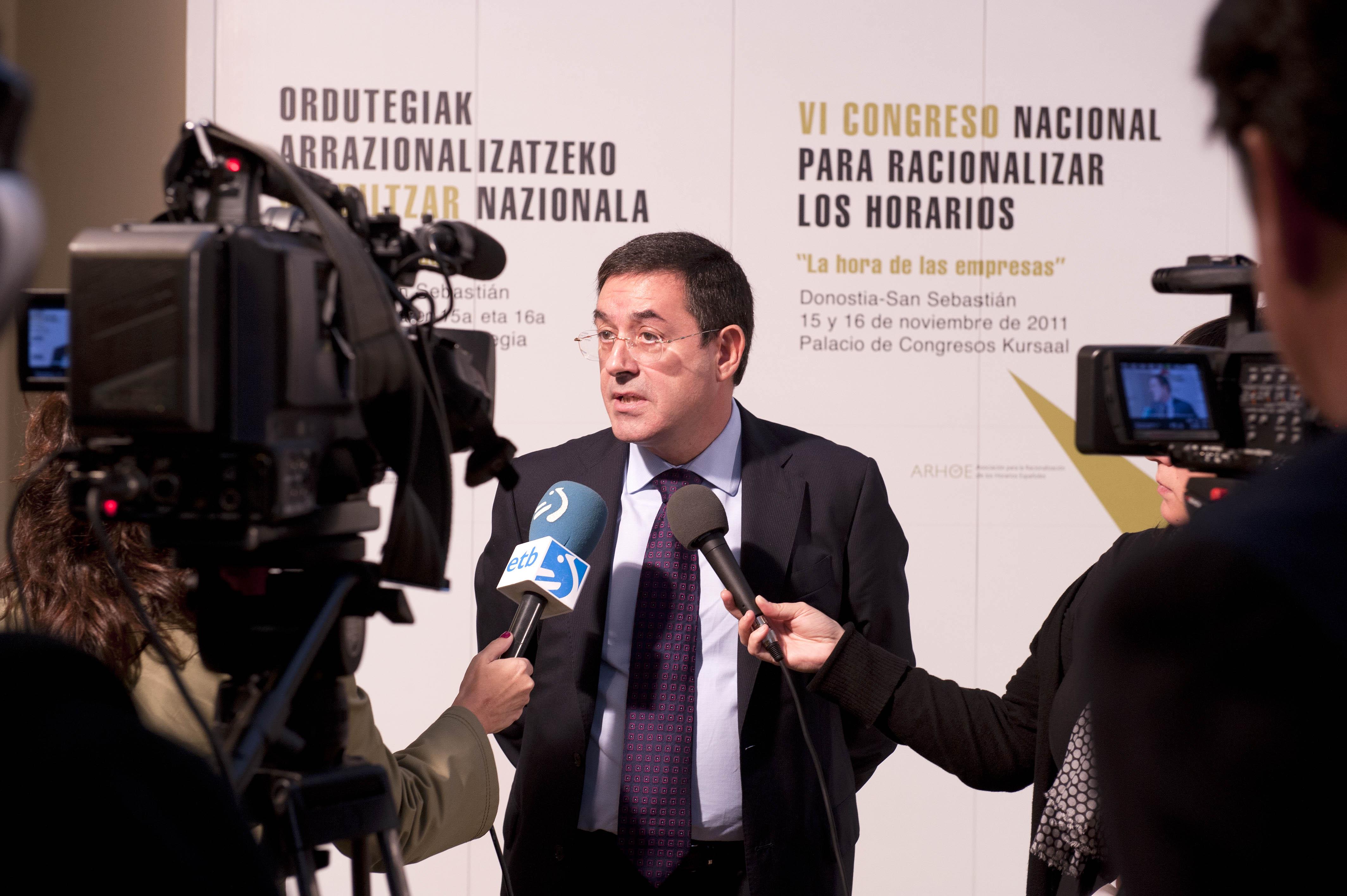 2011_11_15_zabaleta_congreso_racionalizar_horarios15.jpg