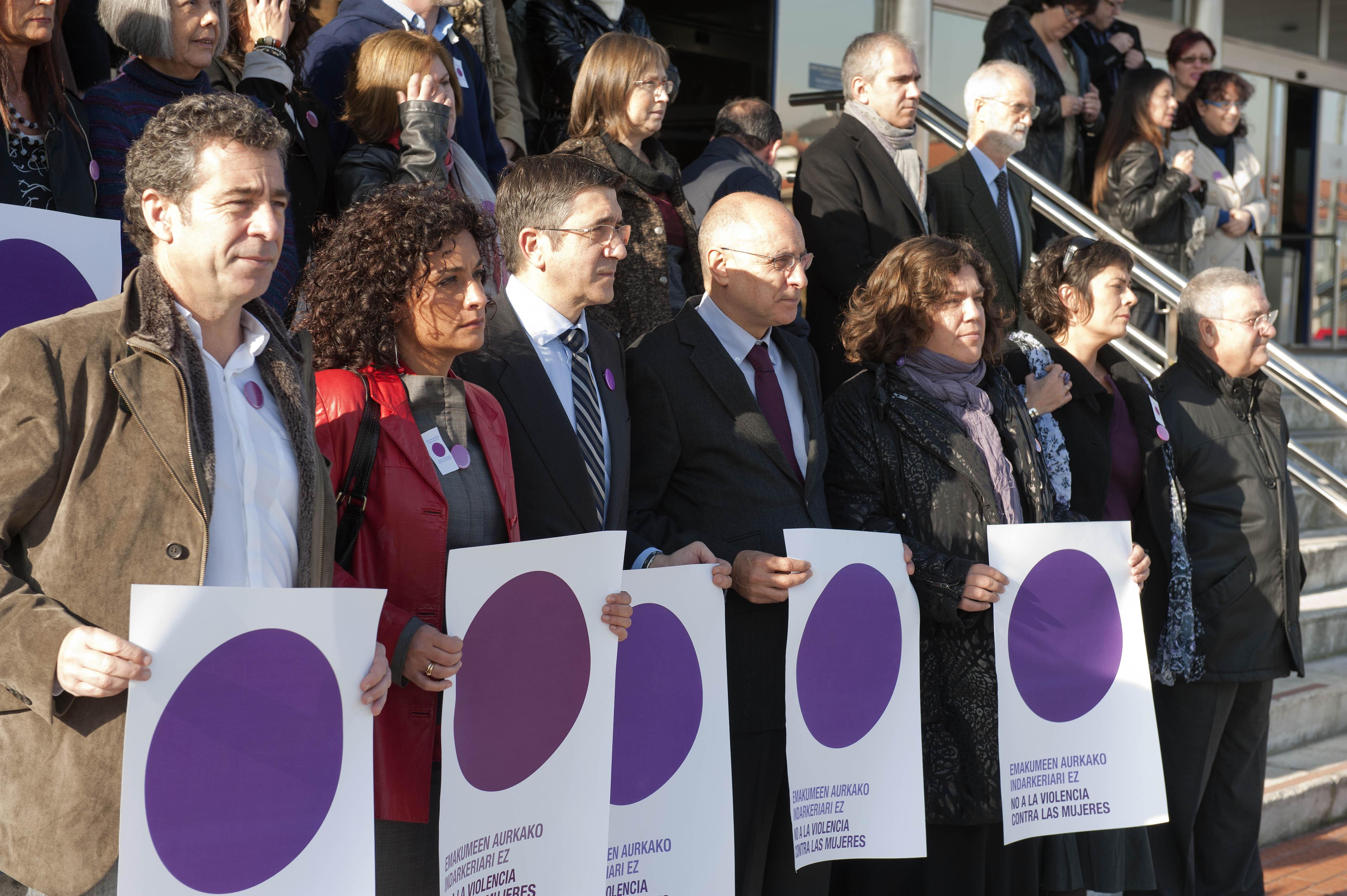 2011_11_25_lhk_concentracion_violencia_mujeres3.jpg