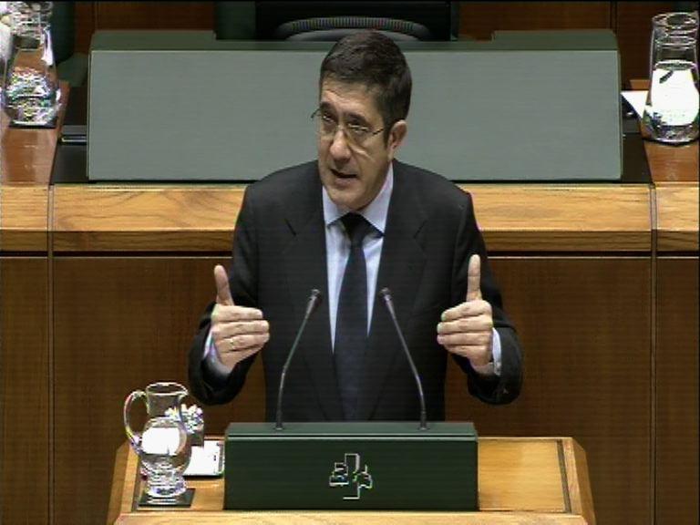 Pleno de control. (2-12-2011) Fiscalidad vasca [4:08]