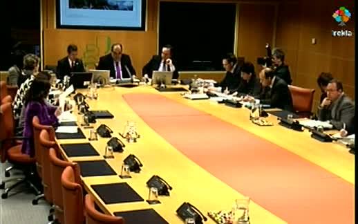 El Consejero, Carlos Aguirre, analiza en la Comisión de Duplicidades del Parlamento  Vasco el modelo financiero-institucional vasco [125:08]
