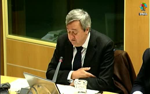 El Consejero, Carlos Aguirre, analiza en la Comisión de Duplicidades del Parlamento  Vasco el modelo financiero-institucional vasco [115:38]
