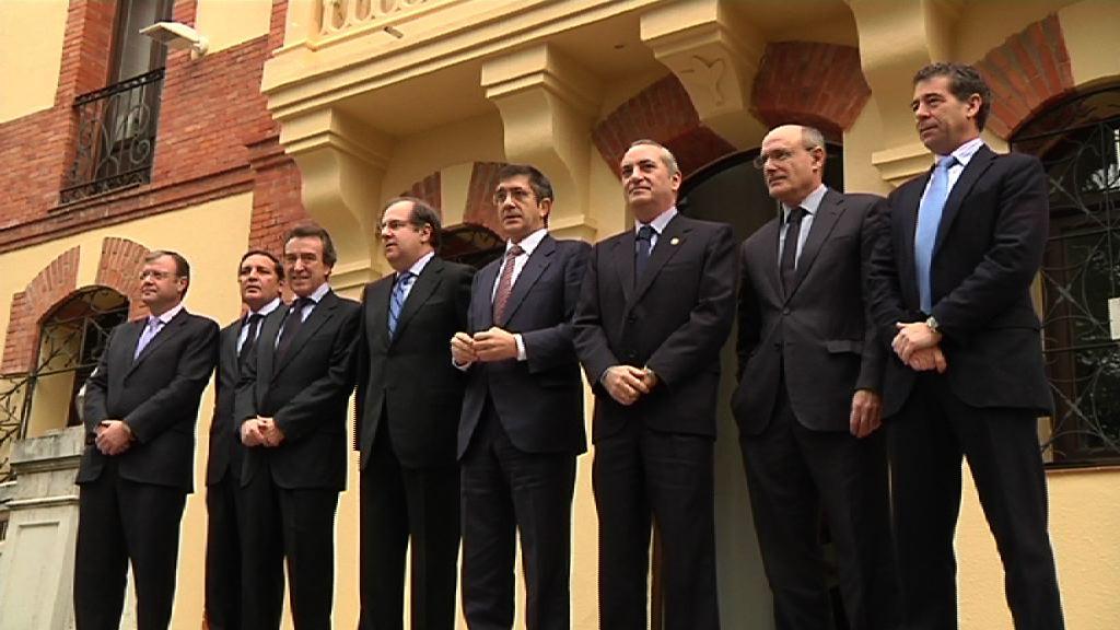 Lehendakariak lankidetza protokoloa izenpetu du Gaztela eta Leongo presidentearekin [0:33]