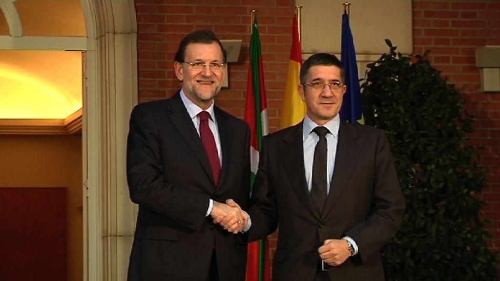 """El Lehendakari plantea a Rajoy un acercamiento """"paulatino"""" de presos y la aplicación del tercer grado a los """"enfermos irreversibles"""" [2:31]"""