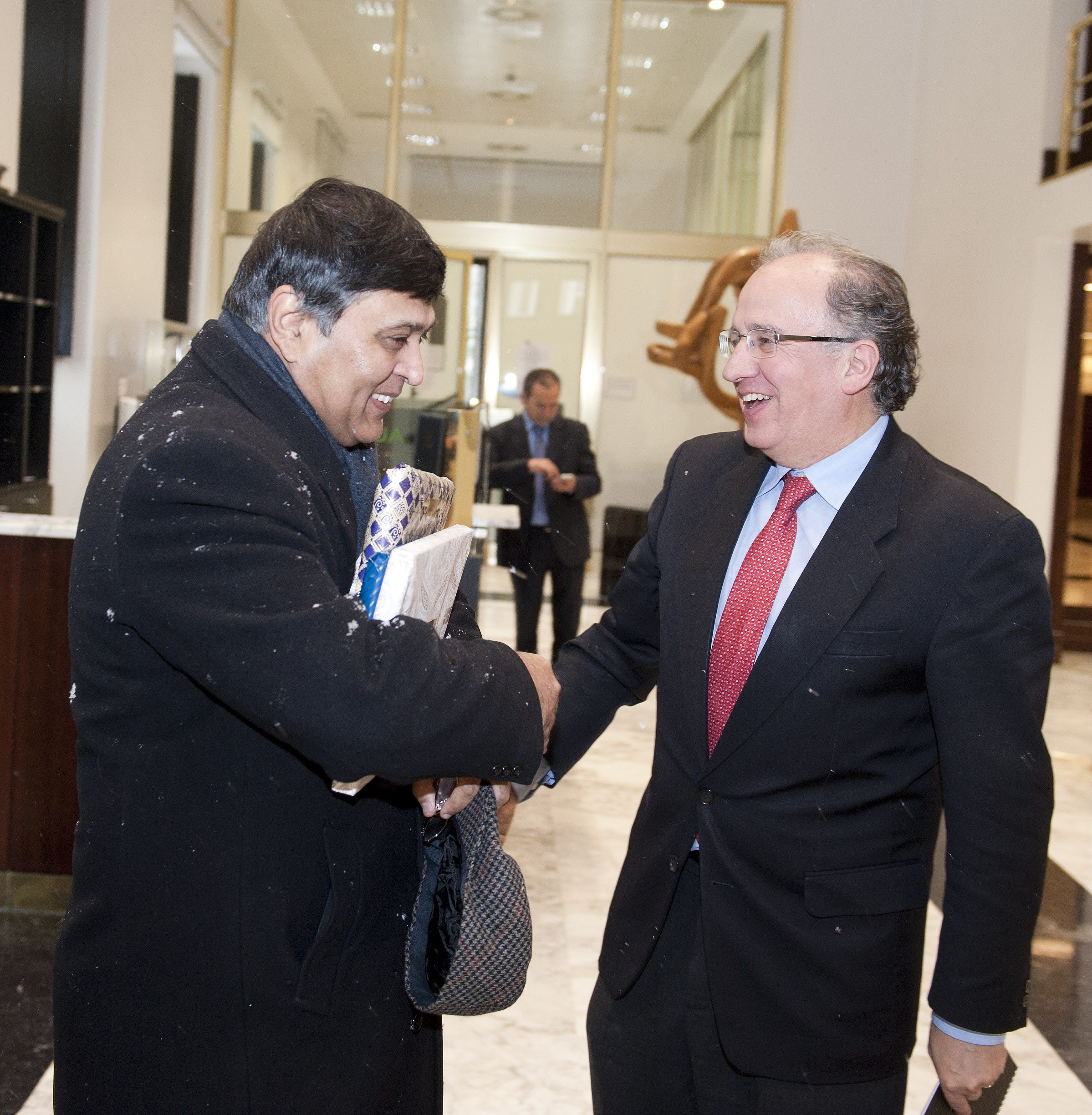 2012_02_02_lhk_embajador_indio2.jpg