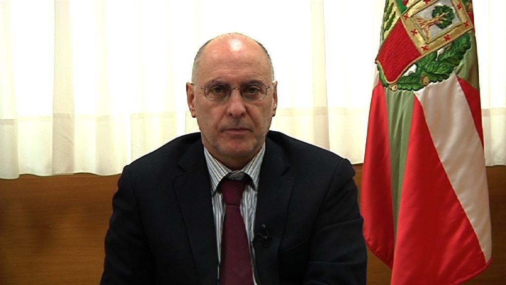 """Rodolfo Ares: """"Urkullu manipula y desprestigia el nombre de Euskadi para su beneficio partidario"""" [1:47]"""