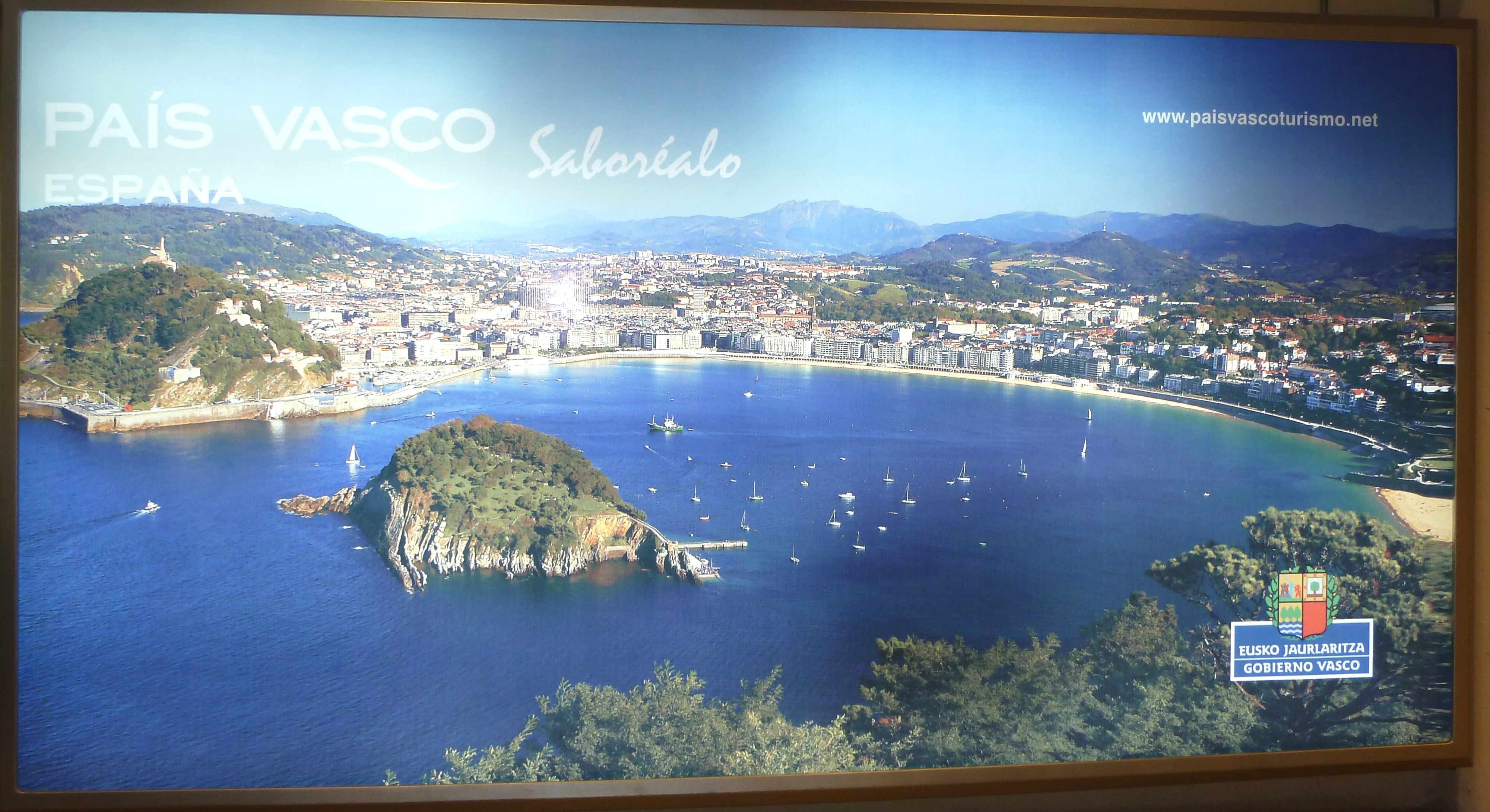 Promoción de Euskadi Saboréala en los buques entre Argentina y Uruguay. [2:02]