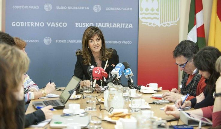 """Mendia: """"El decreto no busca juzgar a nadie sino reparar a las víctimas"""""""