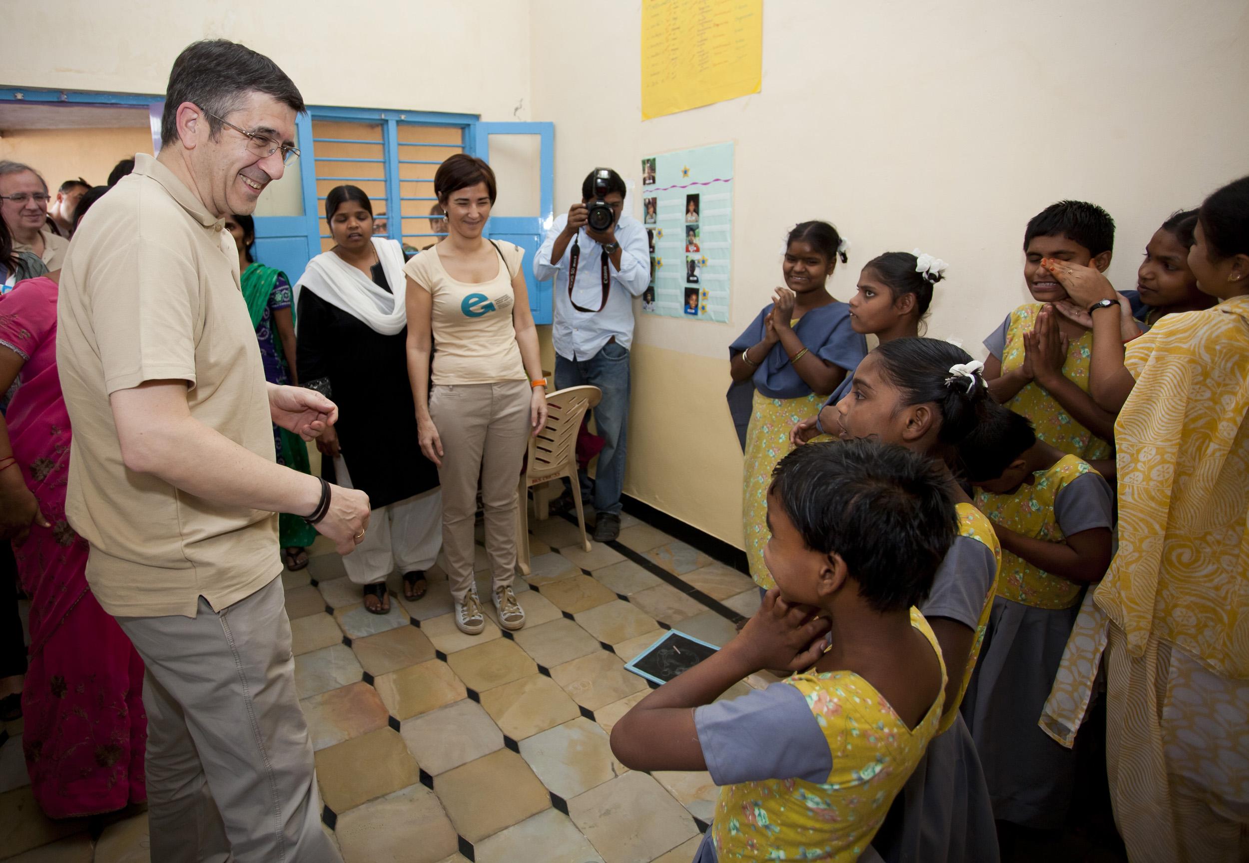 2012_03_17_vicente_ferrer_escuelas01.jpg