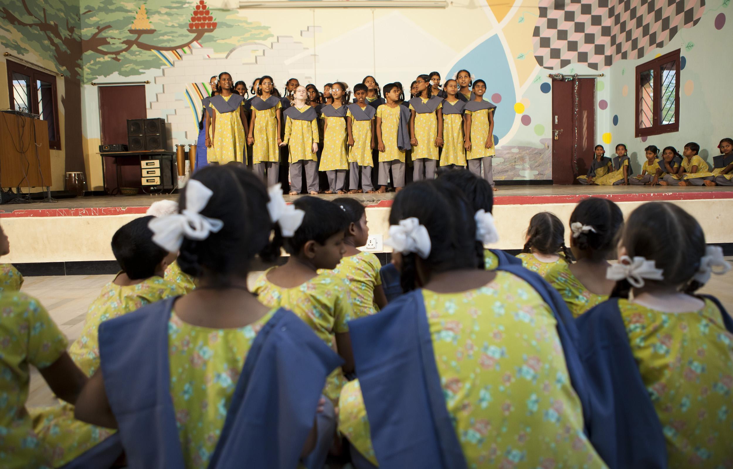 2012_03_17_vicente_ferrer_escuelas10.jpg