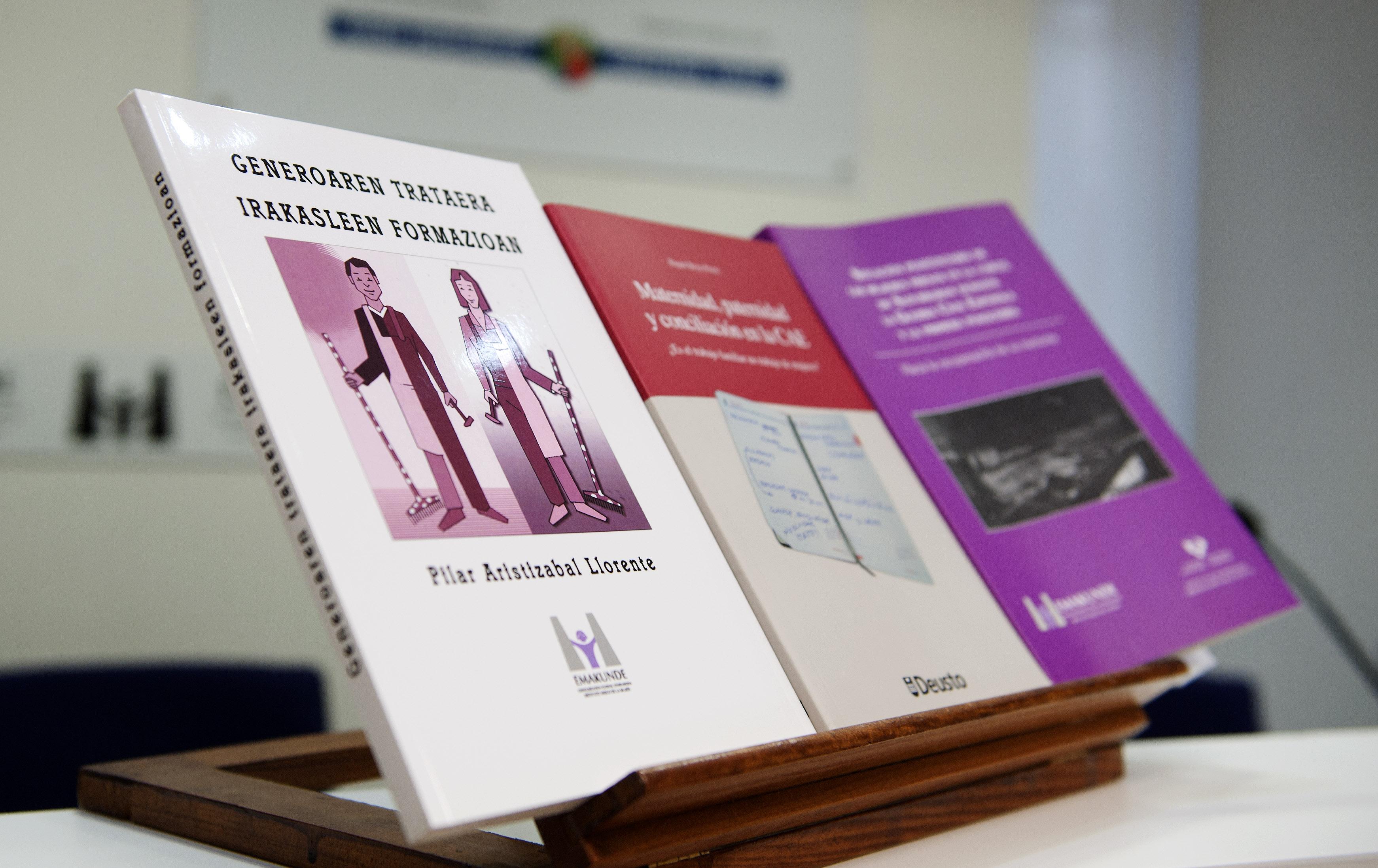 2012_03_19_emakunde_presentacion_publicaciones.jpg