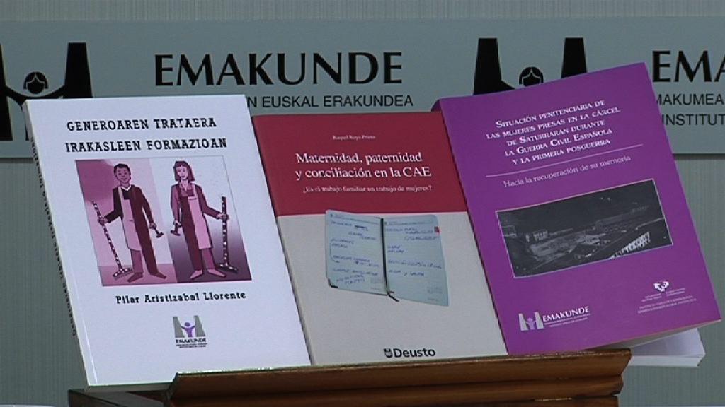 Presentación de tres libros relacionados con la igualdad y subvencionados por el Instituto Vasco de la Mujer [1:37]