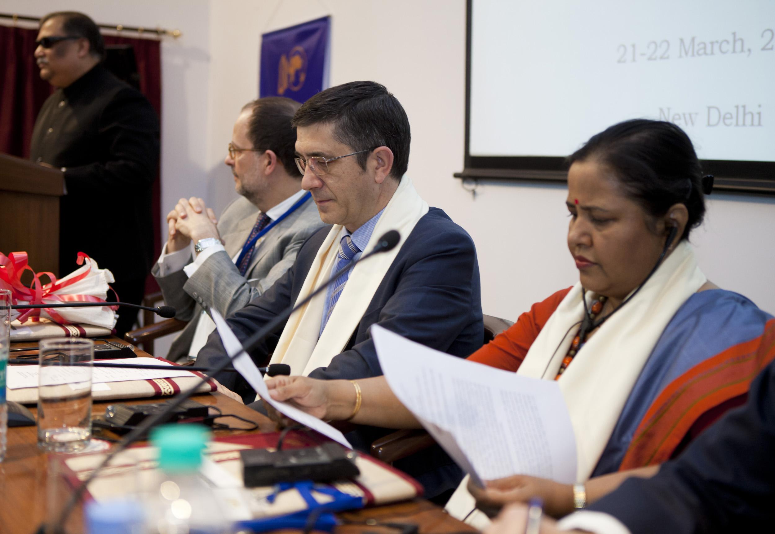 2012_03_21_tribuna_india_espana9.jpg
