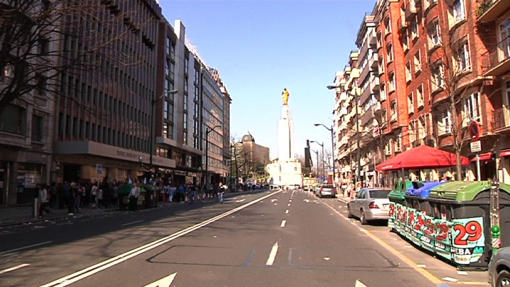Eusko Jaurlaritzako langile publikoen % 71,9k greba egin du  [1:04]