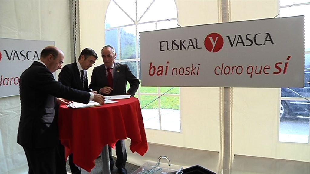El Lehendakari Patxi López refrenda el impulso del Gobierno Vasco a las obras del TAV con la colocación de la primera piedra del tramo Zizurkil-Andoain [7:37]