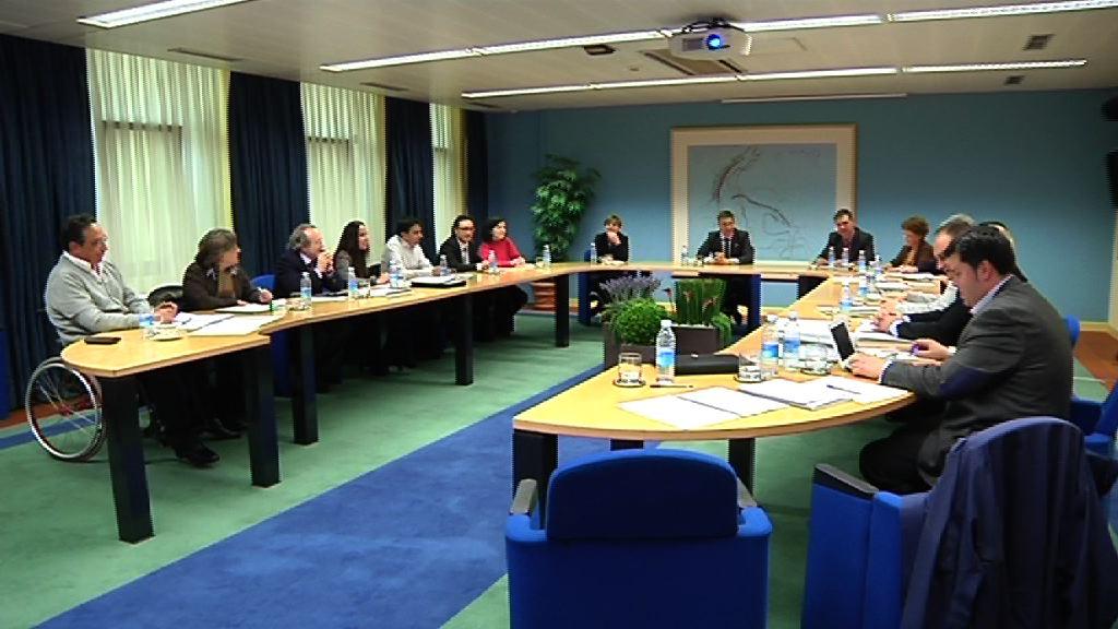 El Lehendakari se ha reunido con los miembros de la Mesa del Diálogo Civil [1:07]