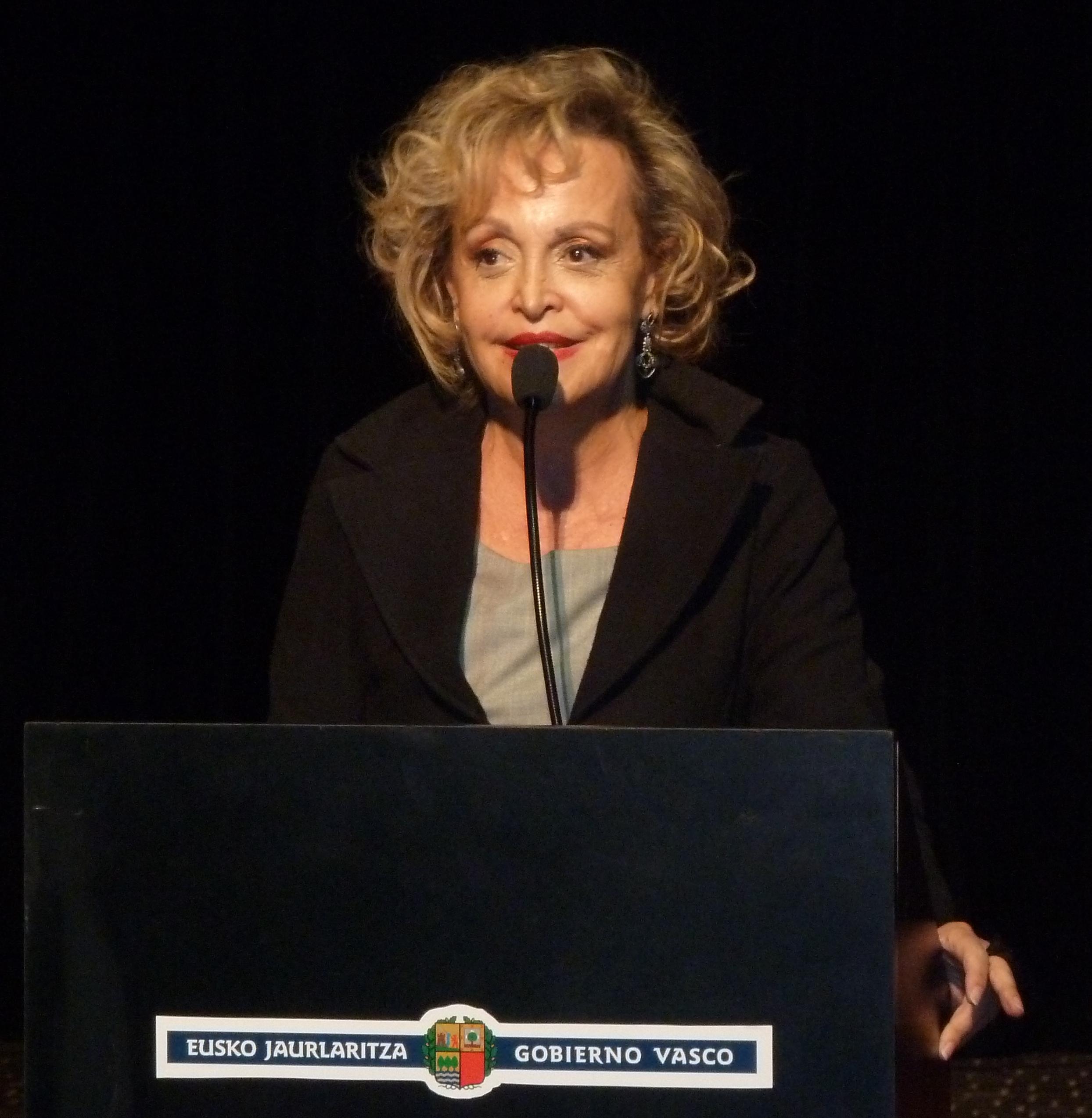 La exposición del 75º aniversario del Bombardeo de Gernika inaugurada en Buenos Aires [6:18]