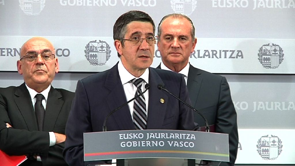 El Lehendakari preside la firma de un convenio conjunto con las organizaciones empresariales y las cámaras vascas  [8:00]