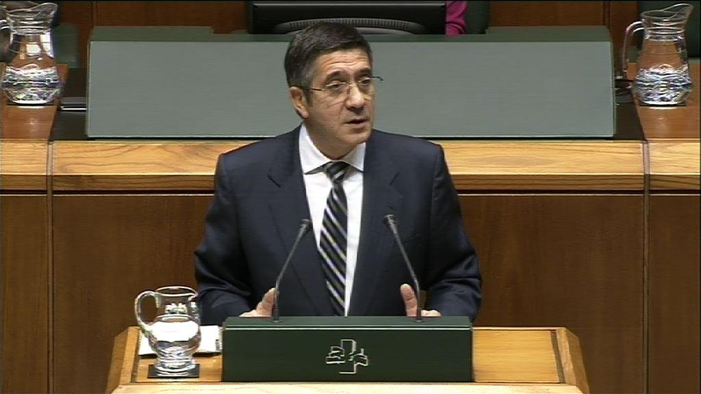 El Gobierno Vasco recurrirá ante el Constitucional los recortes en sanidad y educación del PP [0:59]