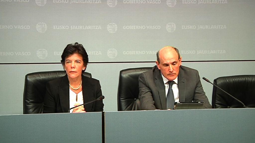 Rueda de prensa para explicar las medidas a adoptar por el Gobierno Vasco para hacer frente a los recortes del Gobierno central en Educación y Sanidad [56:12]