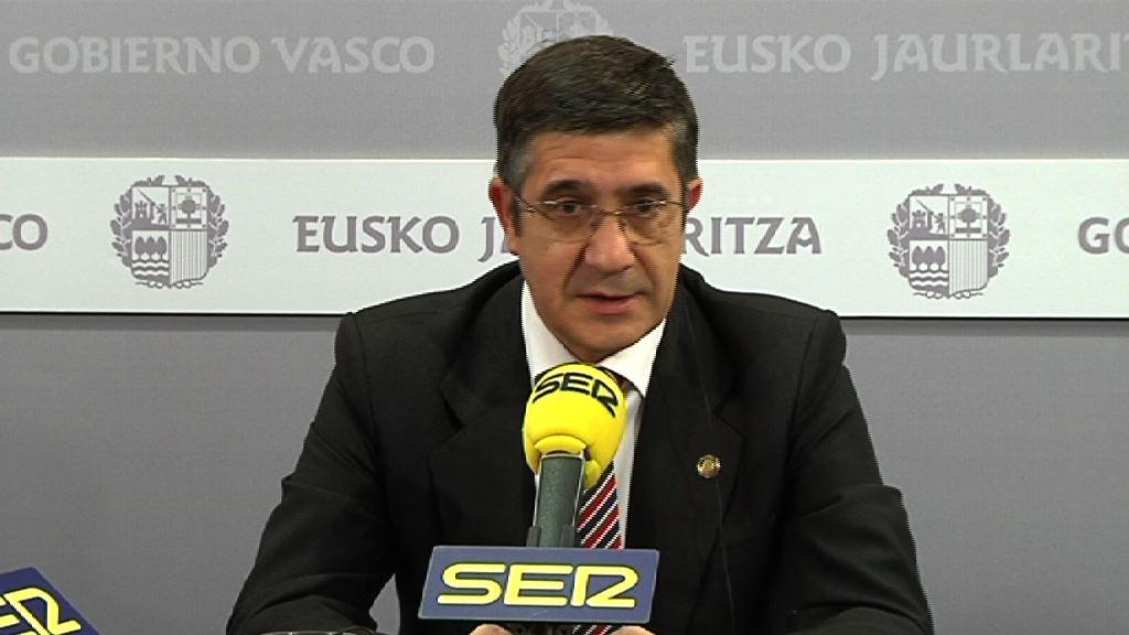 """El Lehendakari considera que Euskadi """"no necesita un adelanto electoral"""" sino un Gobierno que """"defienda los servicios públicos y cree empleo"""" [12:42]"""