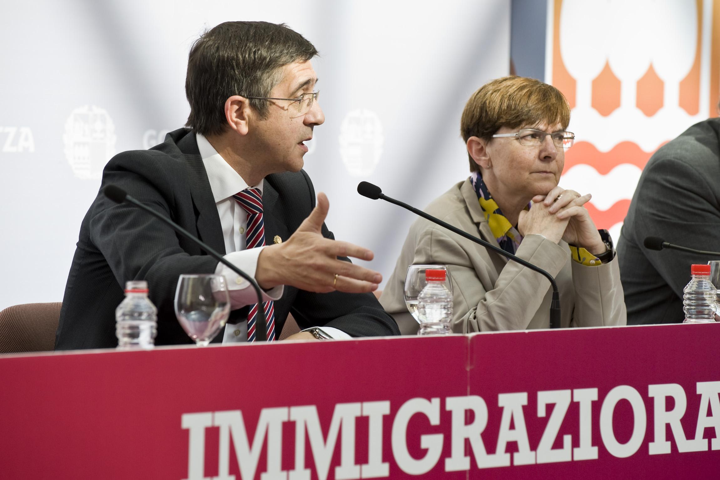 2012_05_09_lehen_inmigracion_043.jpg