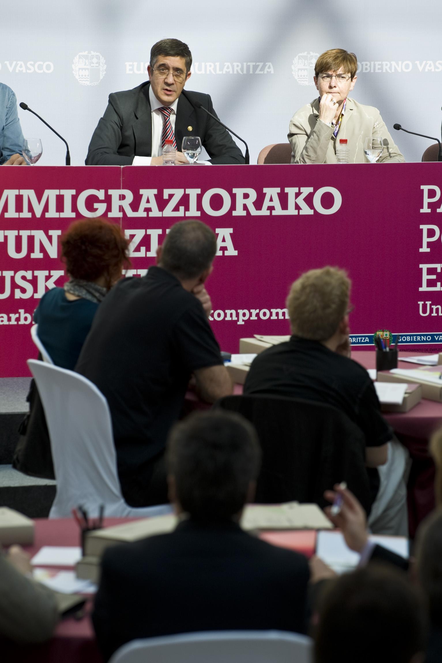 2012_05_09_lehen_inmigracion_057.jpg