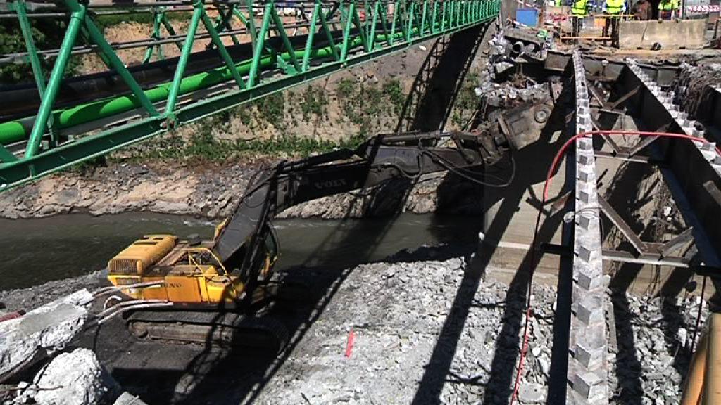 Comienzan las obras de sustitución del puente Gudarien en Basauri, Bizkaia [1:42]