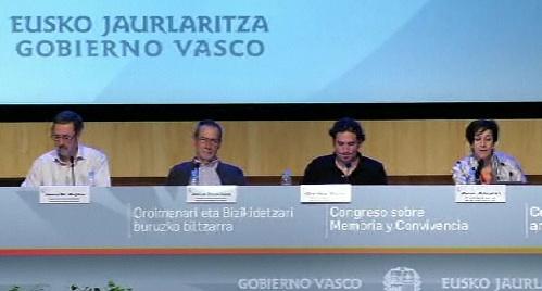 Sexta jornada del Congreso sobre Memoria y Convivencia, Gorka Ruiz, Jesús M. Mujika, José Luis Ortiz de Guinea [52:09]