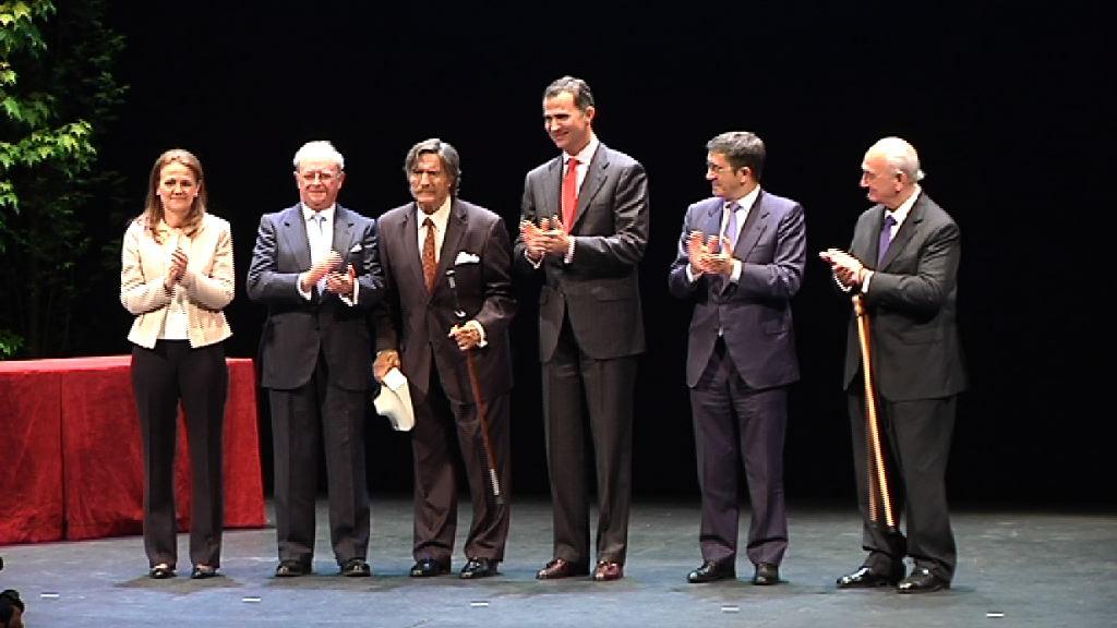 El Lehendakari preside junto  al Príncipe de Asturias la entrega de losPremios de la Fundación Novia Salcedo [6:51]