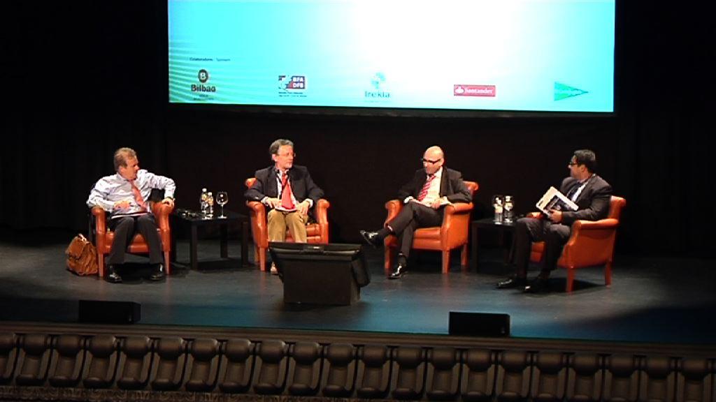 ¿ Hacia una trivialización del discurso político ? Manuel Campo Vidal, Gianpietro Mazzoleni, David Redoli - ACOP2012 [126:51]