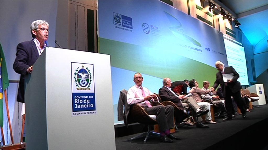 """Pilar Unzalu: """"EcoEuskadi 2020 es una aportación para hacer frente a retos globales desde un prisma regional"""" [7:31]"""